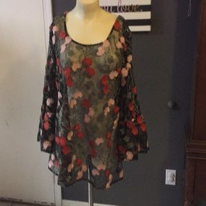Solitaire sheer floral blouse size XL